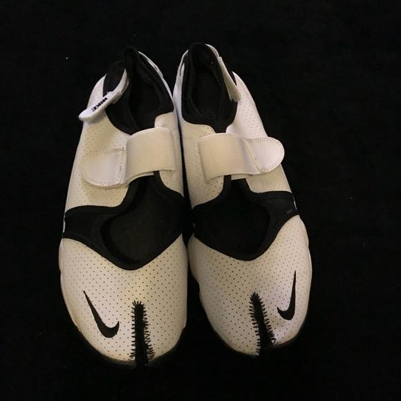 Mens Nike Air Rift Split Toe Sneakers